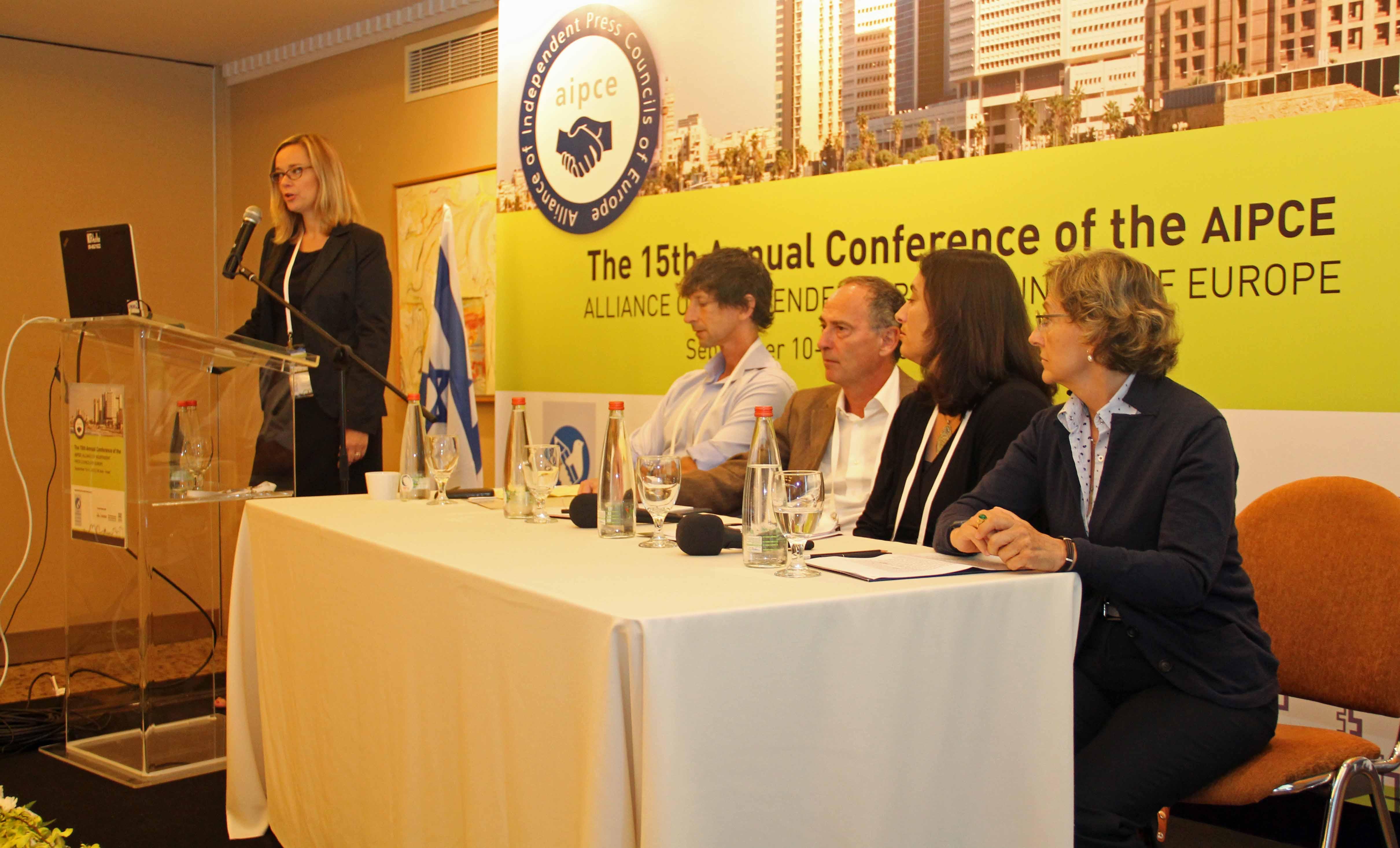Tarja Turtia, Unesco i corresponsals.